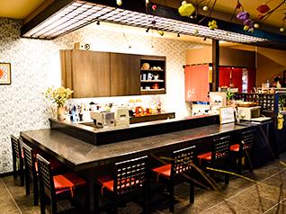 山形市で健康に良い美味しい創作料理「味工房すず」のカウンター席